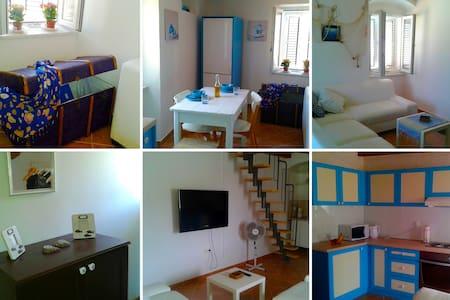 Marina's Blue Dream, Old Town Rab Center - Apartament