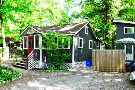 2 cottages + loft bunky -BALM BEACH - Cabin