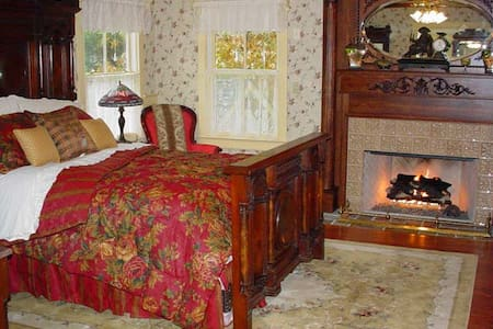 Luxury Suite walking distance to Frenchtown shops - Frenchtown - Bed & Breakfast