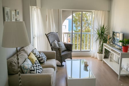 Stunning Sea View One Bedroom Apartment - Lakás