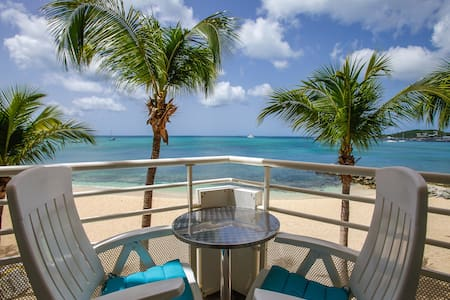 Beachfront Studio with Ocean View in Marigot - Marigot