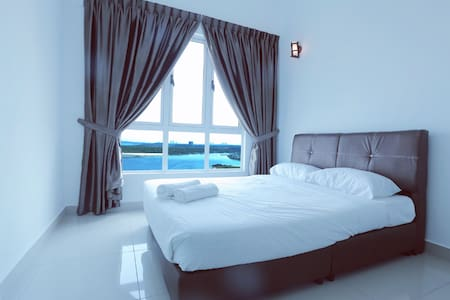 *5STAR Luxury Seaview @10m LegoLand @10m 1-7Pax - Condominium
