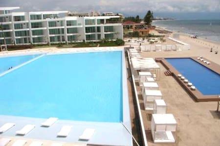 Beachfront condo with ocean view in Acqua Vallarta - Loft-asunto