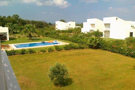 casa vacanza a pochi passi dal mare - Ilia - House