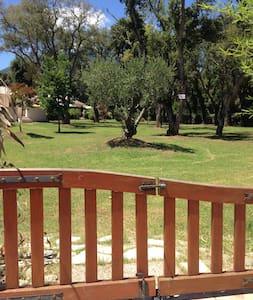 Mini villa: propriété privée, calme et sécurisée. - Santa-Maria-Poggio