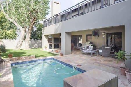 Kyalami Comfort & Position - Midrand - House
