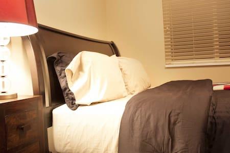 Luxurious Bedroom in Adventurous St. George - Townhouse