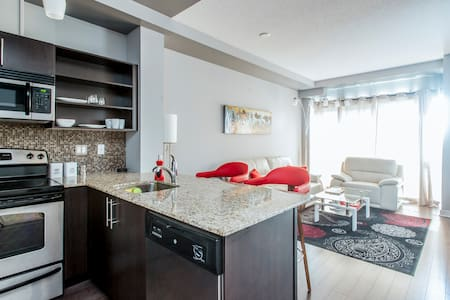 1 Bdr Condo in Private Neighborhood - Toronto