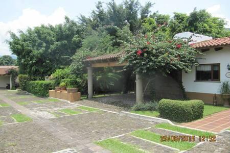 Increíble casa en renta en Malinaco - Talo