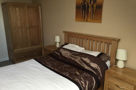 Double bedroom in modern penthouse apartment - Wilmslow