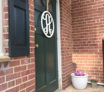 Beautiful Rosslyn Apartment - Arlington - Appartement