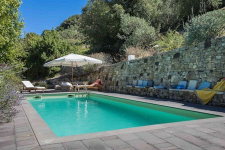 An amazing villa in the countryside - Bosa