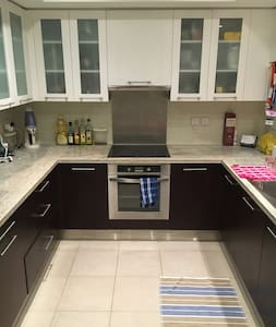 Spacious and Comfy 1-Bedroom in Downtown Dubai - Dubai - Apartment