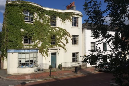 B&B in Regency house in East Sussex - Bed & Breakfast