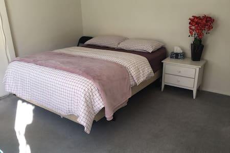 Comfortable double bed  near Los Angeles 洛杉矶蒙市双人床房 - Monterey Park