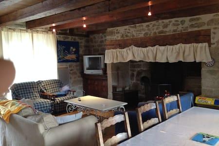 Gîte chaleureux en Auvergne - Huis