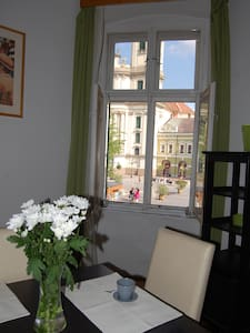 Dobó Square spacious flat with downtown panorama - Lejlighed