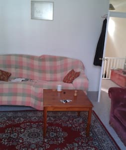 One bedroom flat, newly decorated