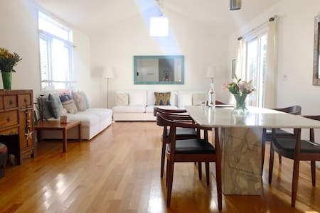 Clean & Comfy Room in Santa Monica