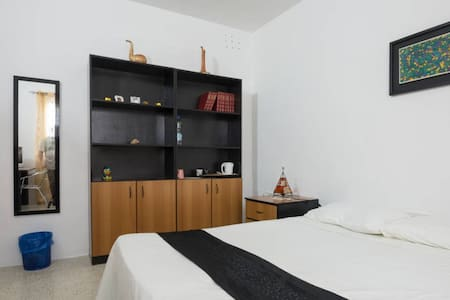Twin or Double room in Rabat - House