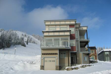 Amazing Views! Amazing Ski-in/Ski-out deluxe home - Huis