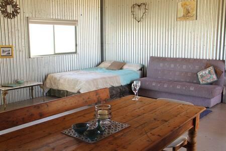 Cosy solar powered cabin - Cabin