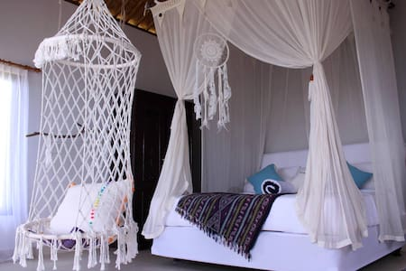 Boho Bungalow & SECRET Sand Beach - Abang - Bungalow