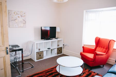 74 Brinkburn Serviced Apartments - Darlington - Apartemen