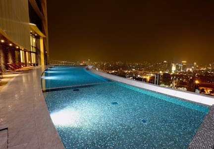 L2. LUXURY BRANDNEW-BTS Phromphong-EmQuartier-WiFi - Bangkok - Appartement
