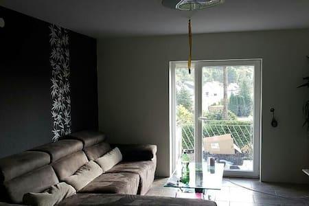Zimmer frei für Reisende - Lebach - Haus