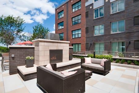 Life along the Hudson - Apartment