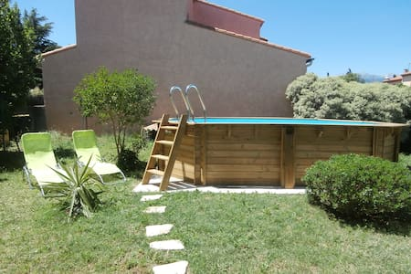 Maison de plein pied avec piscine - Céret