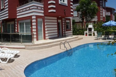 private villa with private pool, privete space... - Appartement
