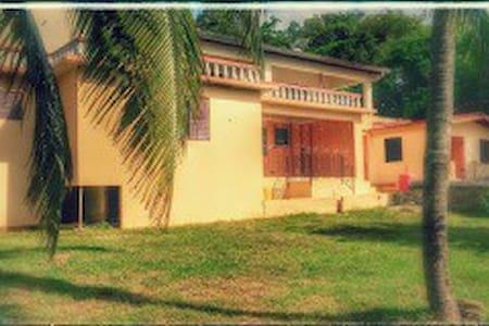 2 bedrooms in St. Elizabeth Jamaica - Casa
