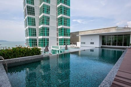 Penang Luxury Seafront Suite @ Georgetown  乔治市之约 - Lejlighedskompleks