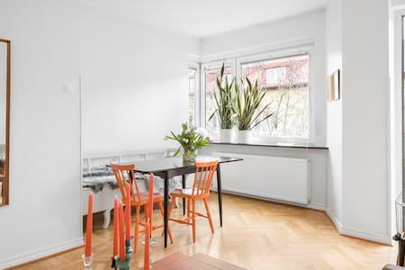 Two balcony apartment on the top floor - Malmö