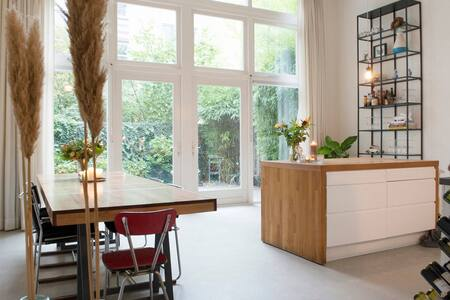 UNIQUE LOFT with TRANQUIL GARDEN in popular EAST - Amsterdam - Loft