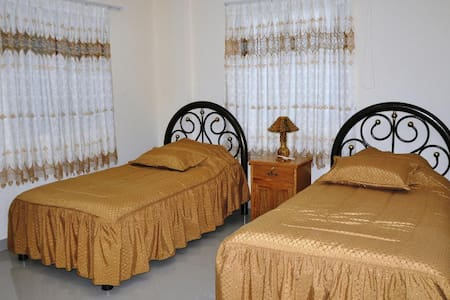 DOUBLE ROOM WITH BATH - Tupiza - Bed & Breakfast
