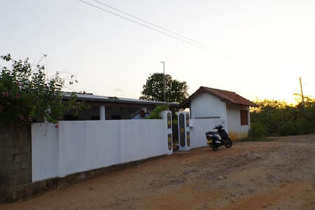 HOUSE NEAR BEACH (1km)3BED ROOMS ATTACHED BATHROOM - Trincomalee - Haus