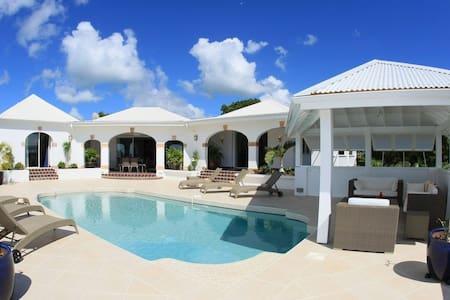 Villa Santa Clara, charme & confort - Les Terres Basses - House