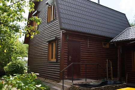 Cosy wooden house, airport VKO - Guesthouse