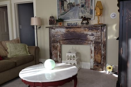 Warwick Village, Classic 3 bedroom Private Apt. - Warwick - Apartamento