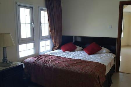 Your own Private Suite,Bath,Balcony - Dubai - House