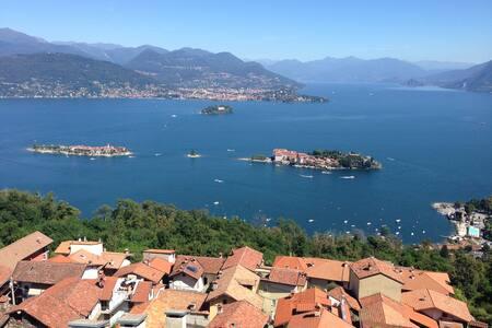Una finestra 2 a Stresa sul Lago Maggiore :)) - Stresa - Wohnung
