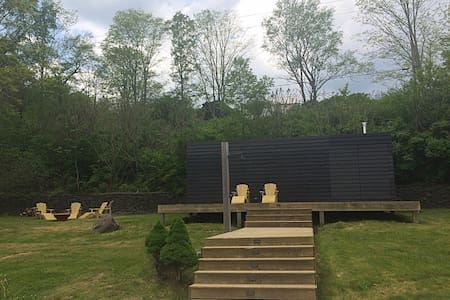 Luxury Estate w/swimming pond, fire pit, sauna etc - Roxbury - Villa