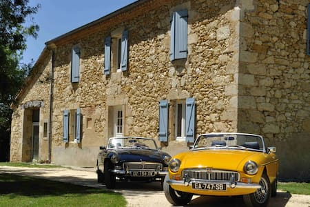 Classic Cars in Gers B&B, chambre TRIUMPH - Guesthouse