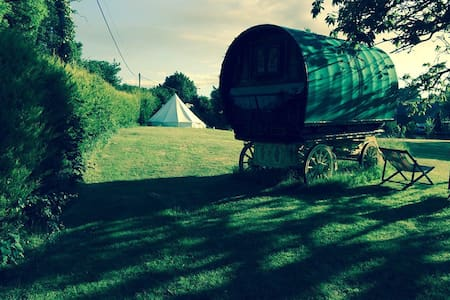 Sunnyhill Glamping - Apple - Tent