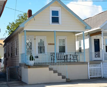 Traditional Beach Cottage - Wildwood
