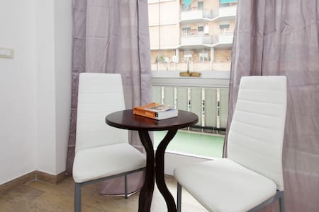 Very FINE ROOM in TRASTEVERE - Rome - Apartment