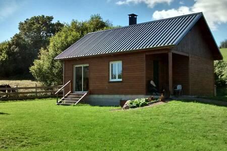 Maison en bois, parc régional du Morvan Bourgogne - Hus